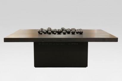 Pol BURY (1922 – 2005)  Table basse  «37 boules sur un rectangle»     Numérotée 4/8 et signée «Pol Bury» sur la base  120 x 80 x 45 cm  Certificat d'authenticité de Velma Bury
