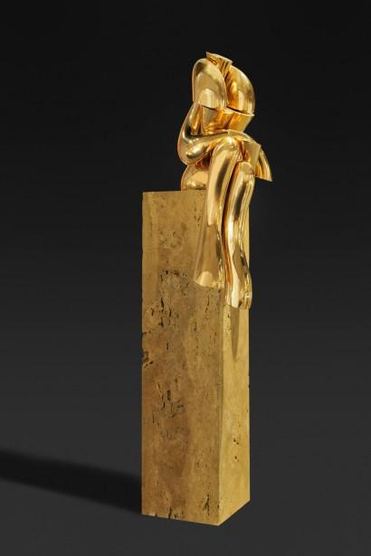 Olivier STREBELLE (Uccle, Belgique 1927)     «Miss Télévision I»  1978     Bronze  Numéroté EA II/IV  H. 110 cm, L. 31,5 cm, P. 27,5 cm     Bibliographie :  - «Journal d'un sculpteur Olivier Strebelle», Crédit Communal (reproduit p. 257)