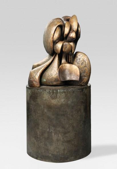Olivier Strebelle     No Body III  Bronze, 1968-97     Dimensions hors tout : h 162 x 77 x 49 cm  Indication de tirage : 1/9     À l'occasion d'une exposition rétrospective de son oeuvre, le plâtre original (No Body II) fut  retravaillé en surface par l'artiste pour lui donner cette texture à l'expression plus vive.
