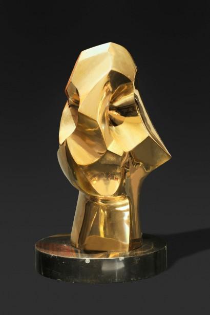 """""""Le retour du guerrier"""" de Tarabella  1963  Bronze poli doré  Fonderie Tesconi, Pietrasanta (Italie), E.A  43 x 25 x 30 cm"""