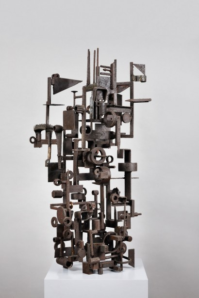 Claude MERCIER (Né en 1924) Sculpture en fer soudé Pièce unique signée 1957 115 x 47 x 45 cm Bibliographie: M. O. Van Caeneghem, «Claude Mercier, l'expression du métal», Editions Somogy, avril 2009