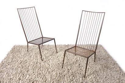 Paire de fauteuils de Philolaos (1923-2010)  Circa 1961  Fer  Bibliographie : - Jacques Lacarrière, Philolaos, éditions itanos (modèle approchant p.66)