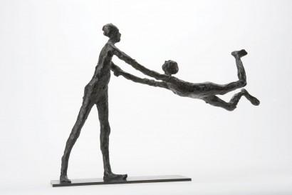 """""""Le tournis"""" de Roseline Granet  2013  Bronze  25 x 38 x 9.7cm  Bibliographie :  - """"Roseline Granet sculptures """", éditions Le passage, Octobre 2007"""