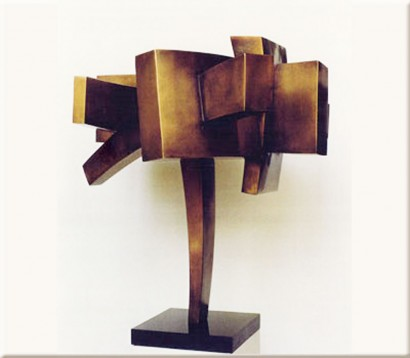 """""""Apesanteur"""" de Claude Mercier  laiton (brass)  1985  72 x 76 x 72 cm  Bibliographie : -Marie-Odile Van Caeneghem, """"Quand le métal fait signe"""", Somogy Editions d'Art, avril 2009 (reproduit p. 163)"""