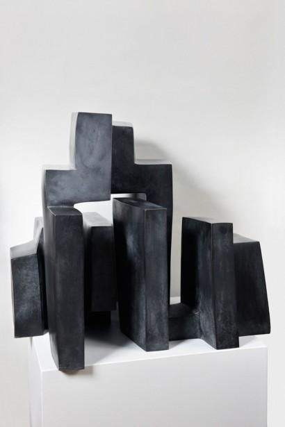 """""""Mère couloir n°II"""" de Parvine Curie  trois éléments  1973  Bronze n°2/8  68 x 70 x 56 cm"""