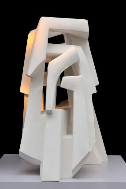 """""""Ta Prohm"""" de Parvine Curie  2010-2011  Pierre  40 x 15 x 12 cm"""
