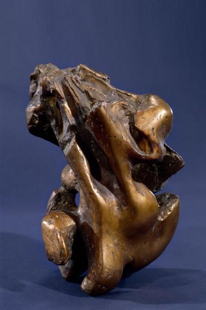 """""""Anamorphose"""" de Jacques Zwobada  1956  Bronze  30 x 26 x 23 cm  Bibliographie : - « Zwobada », Pierre Cabanne, Les éditions de l'amateur, 1992, oeuvre reproduite p. 186-187"""