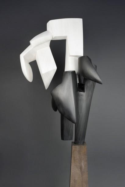 """""""Chute blanche II"""" de Parvine Curie  2005  bois exotique noir et blanc  105 x 65 x 70 cm"""