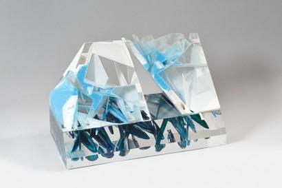 2005 Méthacrylate de méthyle pièce unique 52,5 x 30 x 27 cm