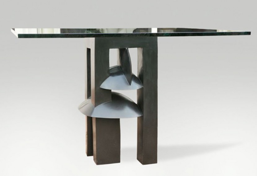 MG-Table-CURIE.jpg